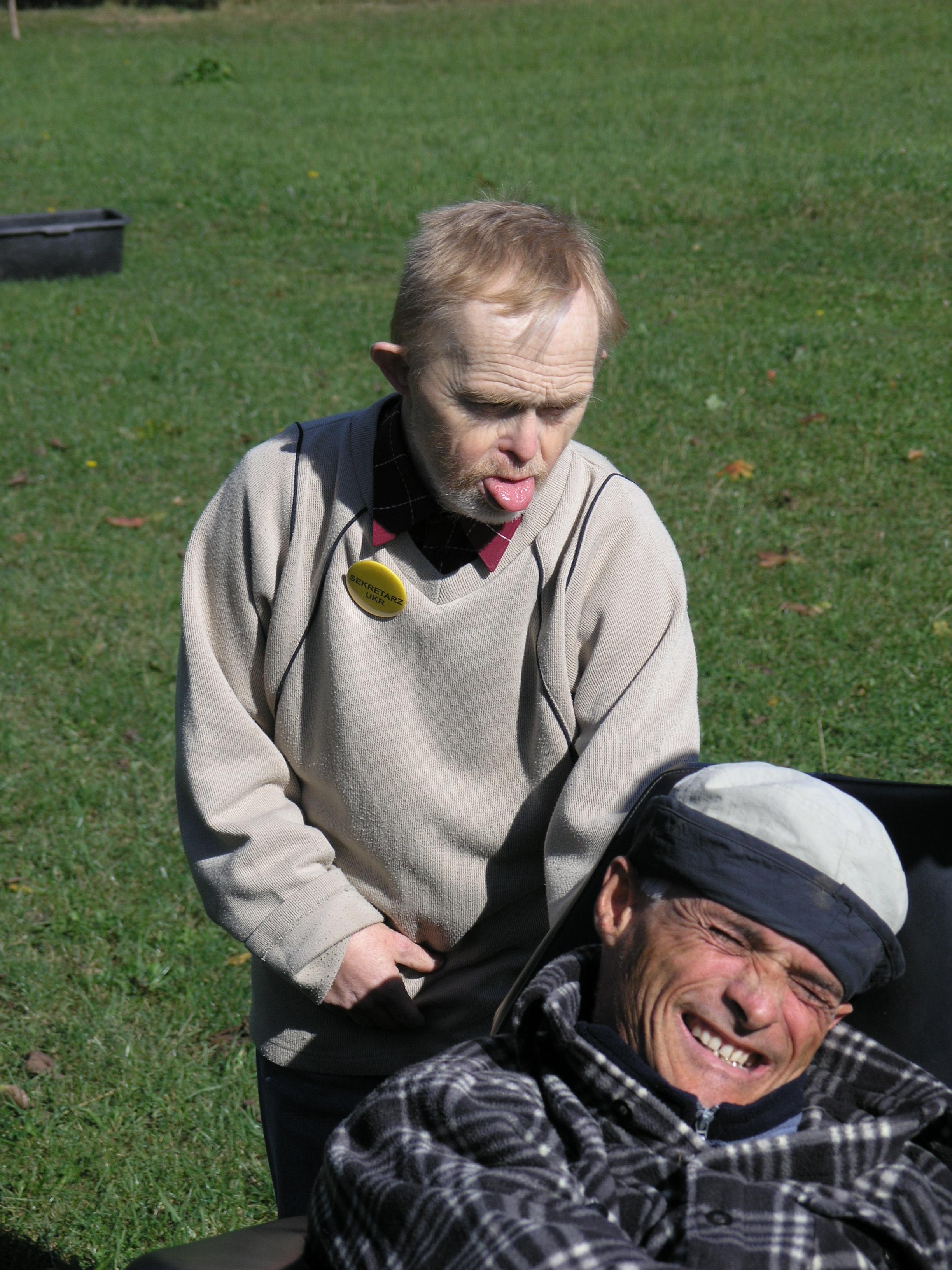 Osada Burego Misia 2005 r. Roman (już nie żyje) i Bernard (na wózku)