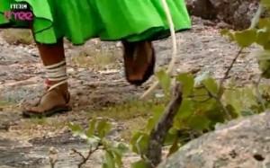 Tarachumara lub Raramuri. Biegają wszyscy i w każdym wieku a 50km po górach nie stanowi najmniejszego problemu
