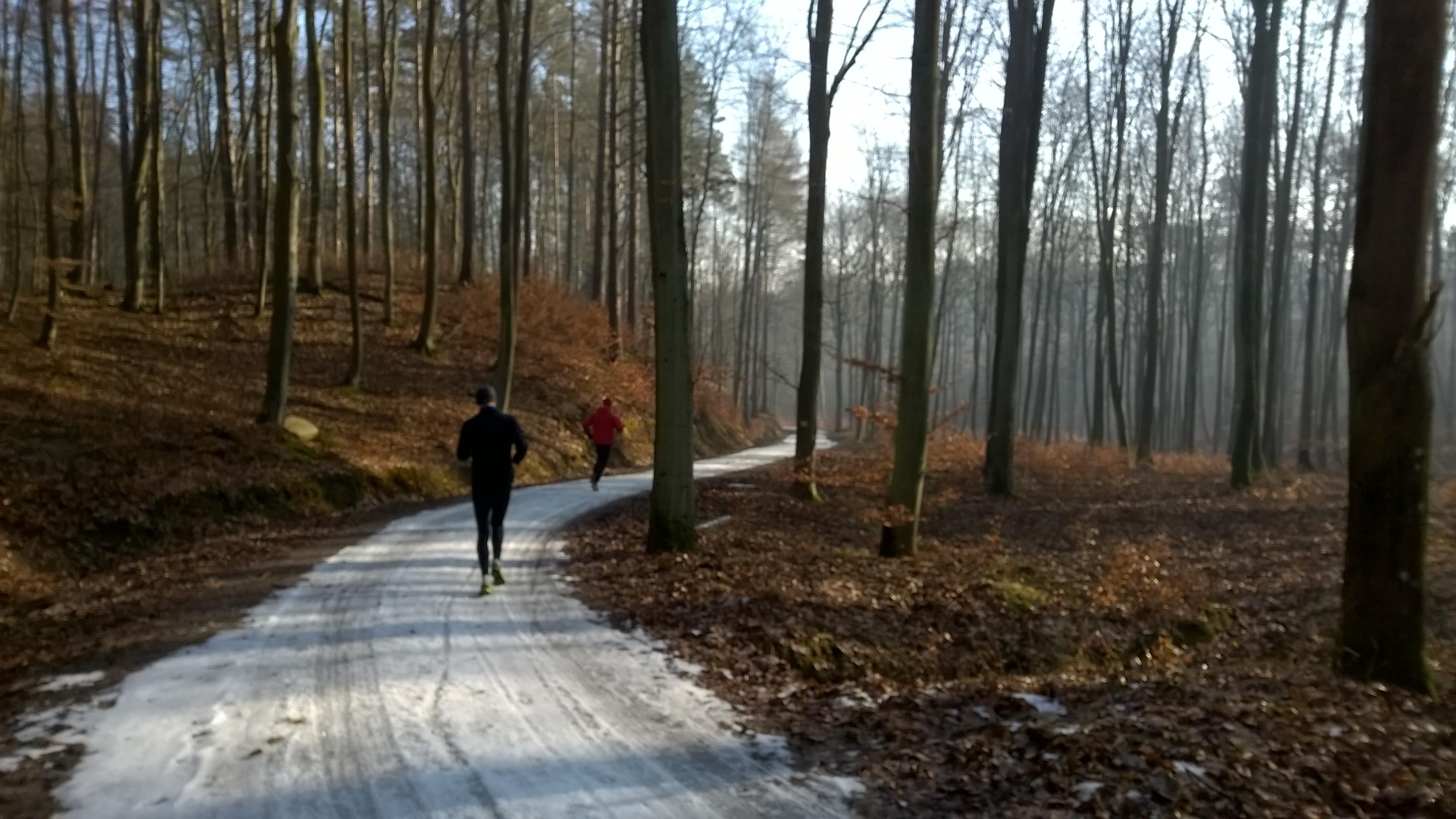 """12km biegu - tempo 4'20"""" s. - i 100% emocji na lodowym zakręcie"""