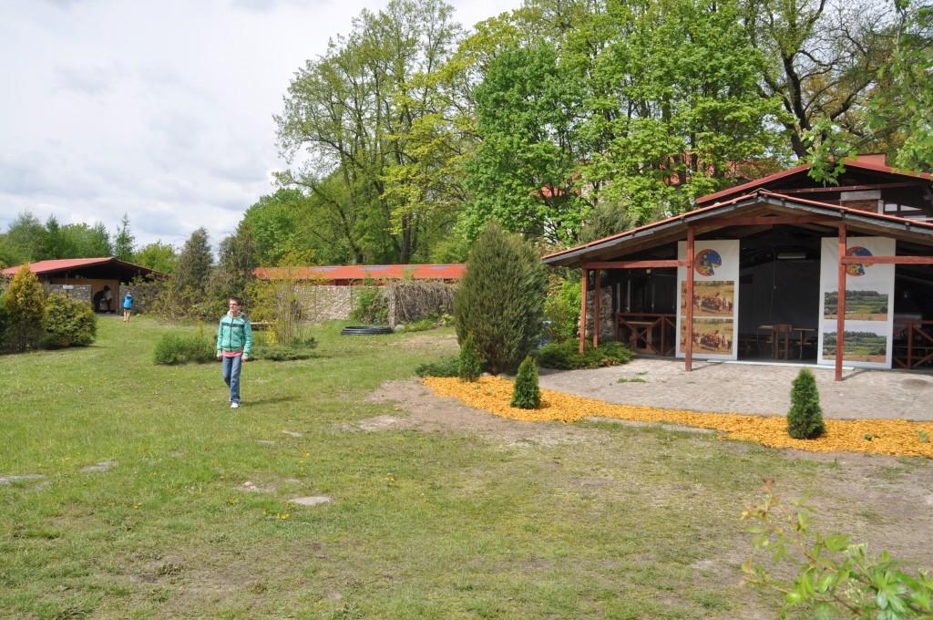 strefa dla letnich obozów - w sumie przewija się przez nie ok. 460 osób rocznie