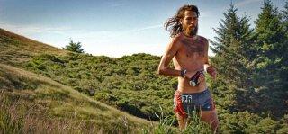 Anton Krupicka - pierwszy maraton w wieku 12 lat; startuje w ultra bez wsparcia techniki - zero GPS-ów, minimalistyczny strój, rzadko buty; filozof, geolog, geograf.