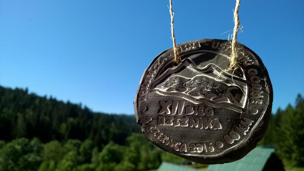 gliniany medal XII Biegu Rzeźnika